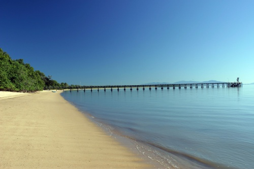 The_beach_at_cardwell